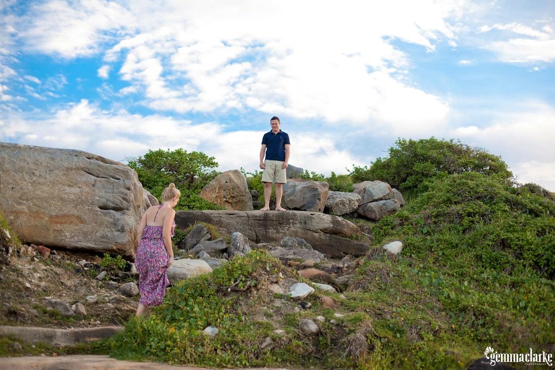 gemmaclarkephotography_sydney-beach-engagement-photos_naomi-and-adam_0009