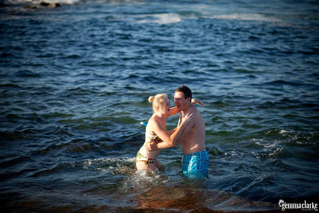gemmaclarkephotography_sydney-beach-engagement-photos_naomi-and-adam_0011