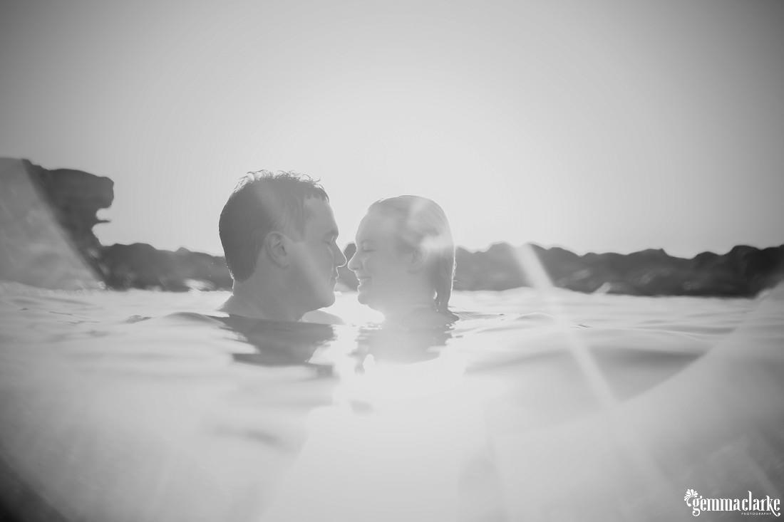 gemmaclarkephotography_sydney-beach-engagement-photos_naomi-and-adam_0014
