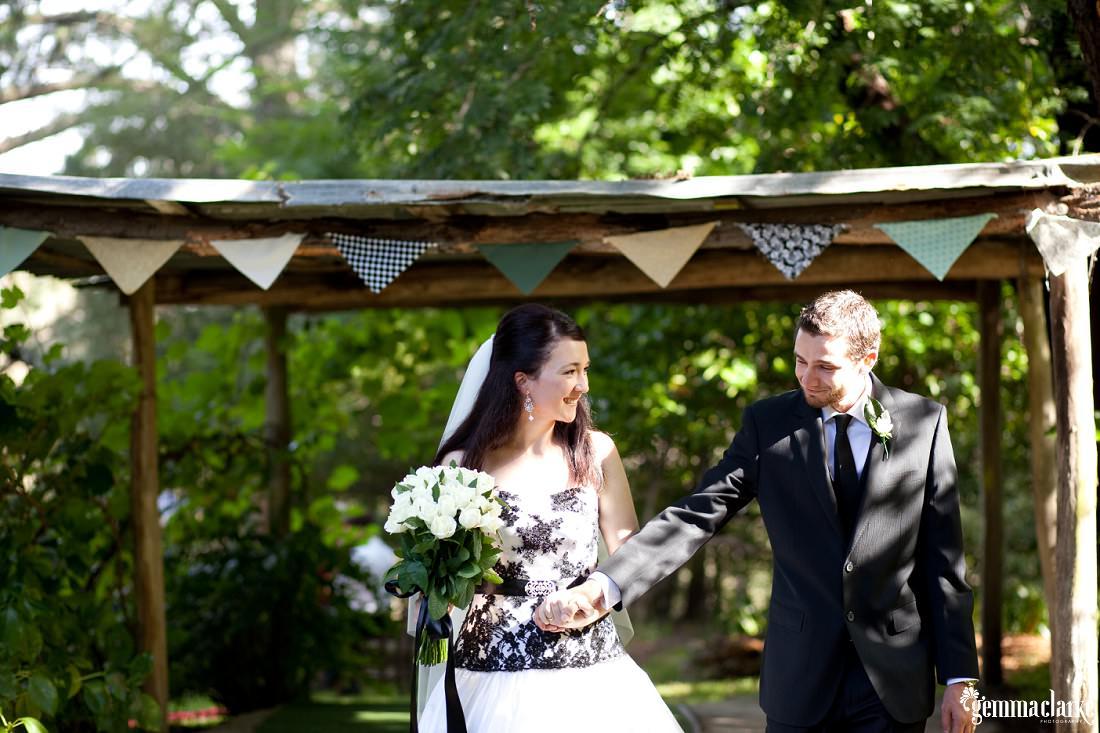 gemmaclarkephotography_blue-mountains-backyard-wedding_jane-and-aaron_0025