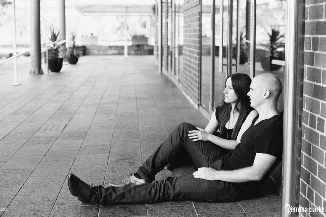 gemma-clarke-photography_sydney-engagement-photos_urban-engagement_anna-and-sam_0001