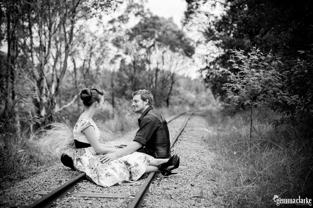 gemma-clarke-photography_bike-engagement-photos_vintage-engagement-photos_camille-and-sean_0006