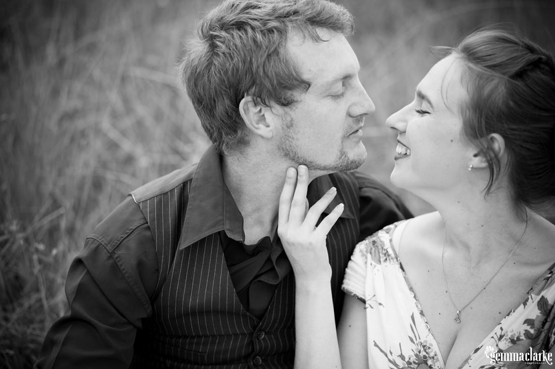 gemma-clarke-photography_bike-engagement-photos_vintage-engagement-photos_camille-and-sean_0018