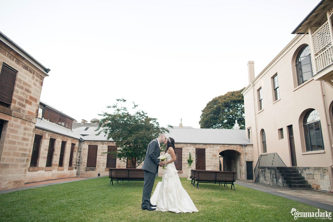 gemmaclarkephotography_the-mint-sydney-wedding_sandstone-photos_anna-and-sam_0017