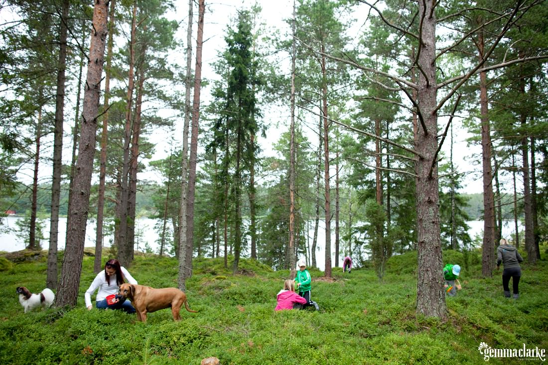 gemmaclarkephotography_summer-cottage-finland-family-portraits_0022