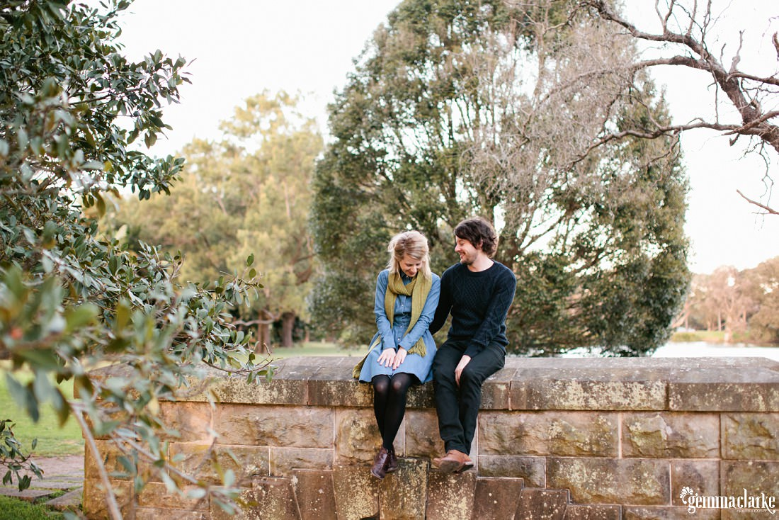 gemmaclarkephotography_winter-portraits-in-centennial-park_leah-and-tim_0001