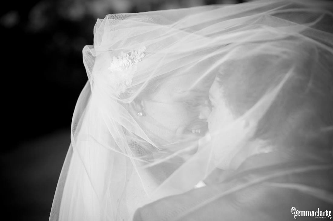 gemma-clarke-photography_gunners-barracks-wedding_tearooms-wedding_ellie-and-sam_0041