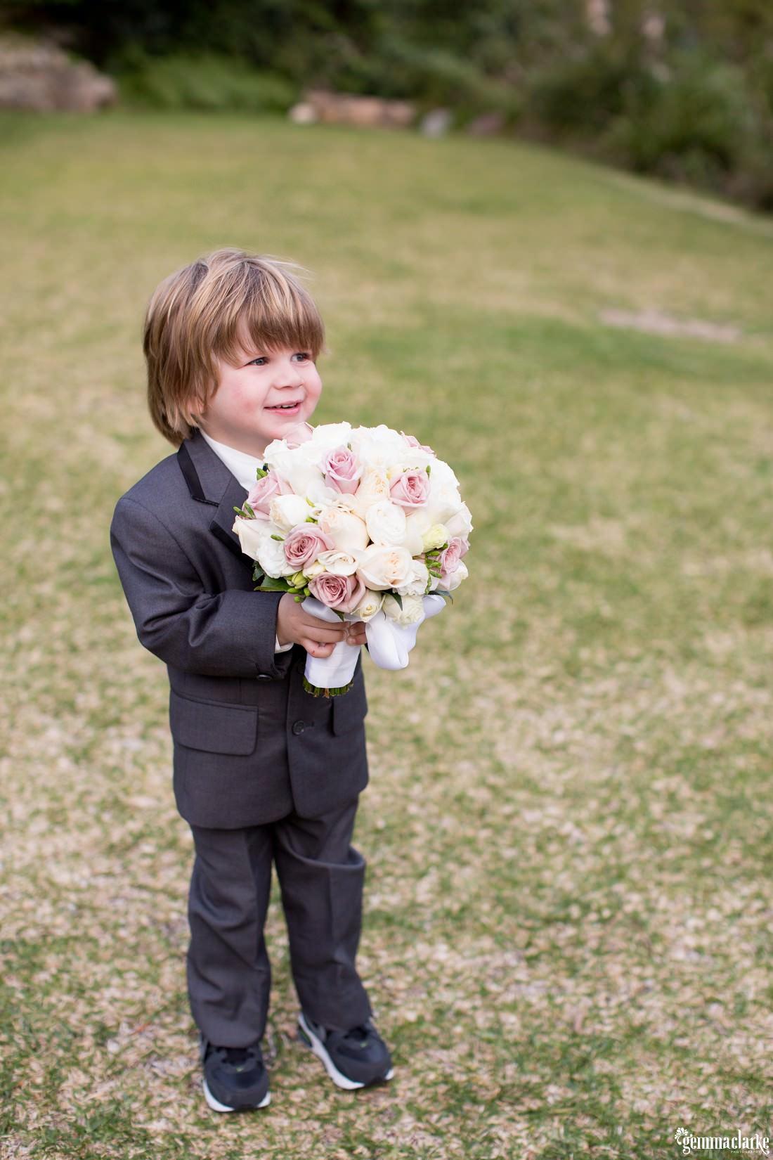 gemma-clarke-photography_gunners-barracks-wedding_tearooms-wedding_ellie-and-sam_0050