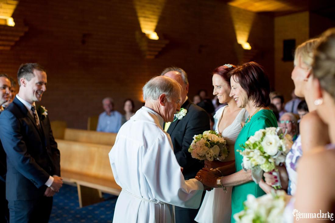 gemma-clarke-photography_southern-highlands-wedding_biota-dining-wedding_ashley-and-hally_0036