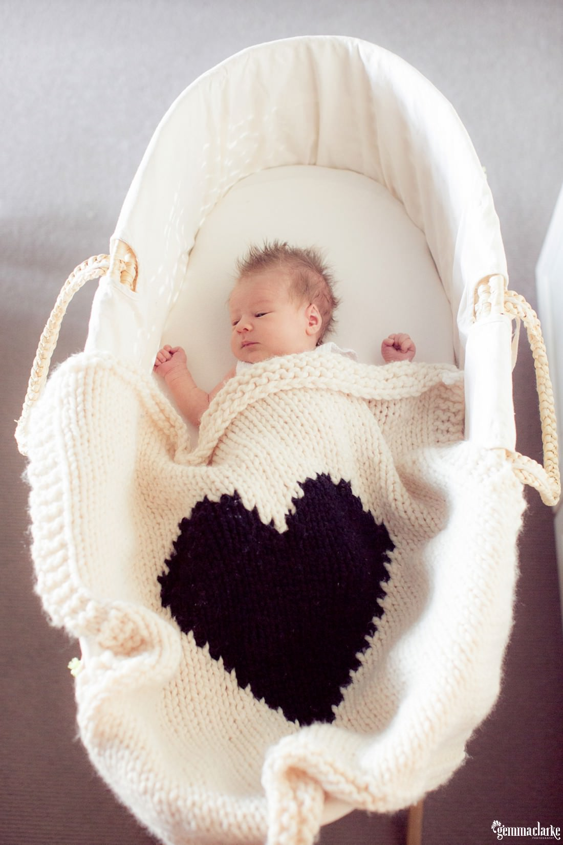 gemmaclarkephotography_lifestyle-newborn-photos-sydney_erin-and-jake_0006