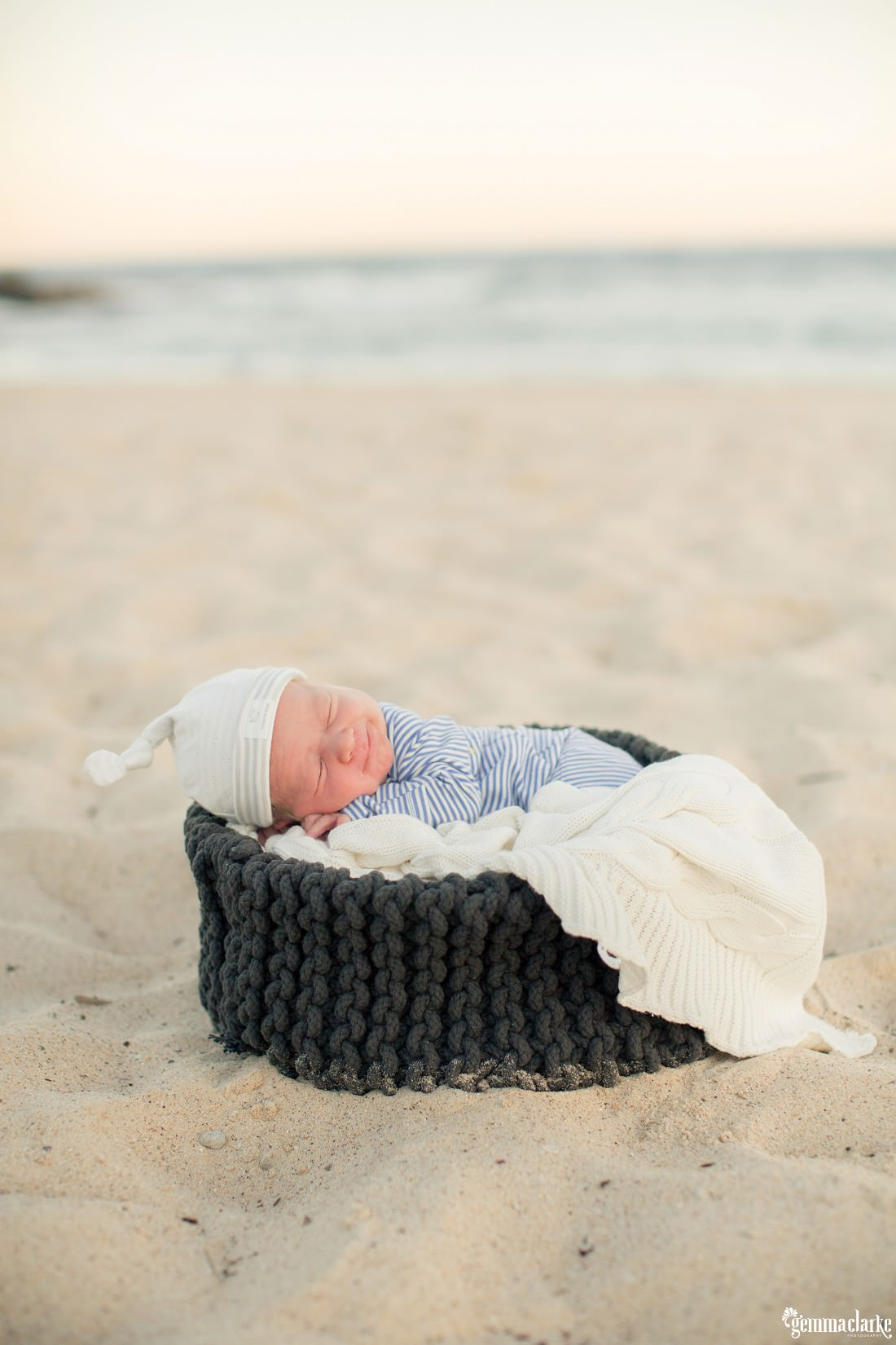 gemmaclarkephotography_lifestyle-newborn-photos-sydney_erin-and-jake_0020