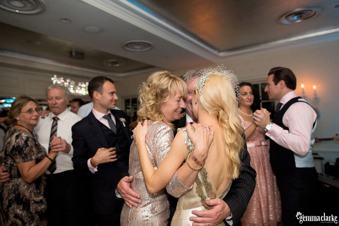 gemma-clarke-photography_watsons-bay-wedding_dog-bridesmaid_kristyl-and-ben_0087