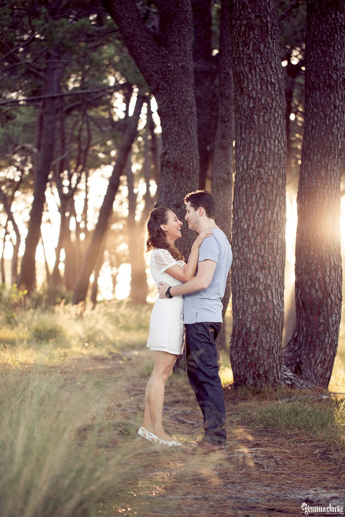 gemmaclarkephotography_centennial-park-engagement-photos_luisa-and-nick_0011