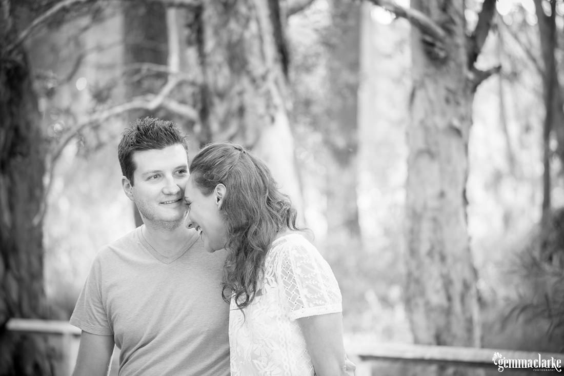 gemmaclarkephotography_centennial-park-engagement-photos_luisa-and-nick_0018