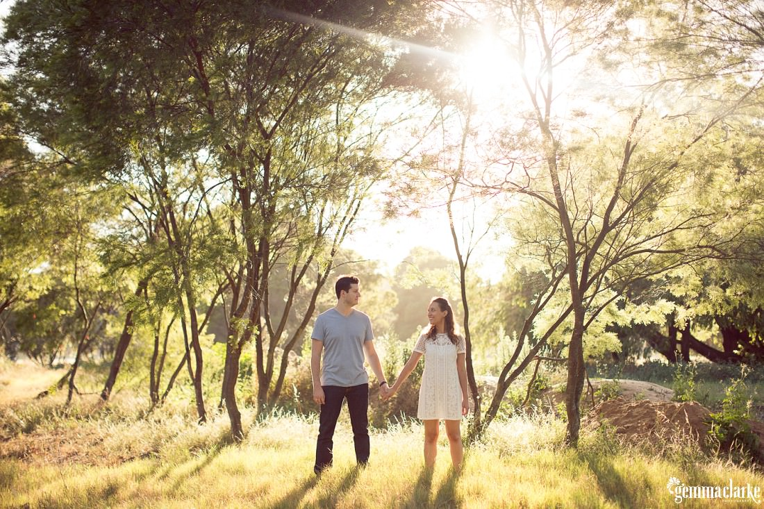 gemmaclarkephotography_centennial-park-engagement-photos_luisa-and-nick_0020