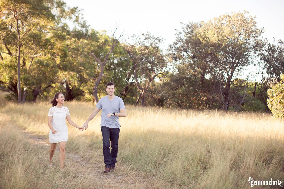 gemmaclarkephotography_centennial-park-engagement-photos_luisa-and-nick_0023