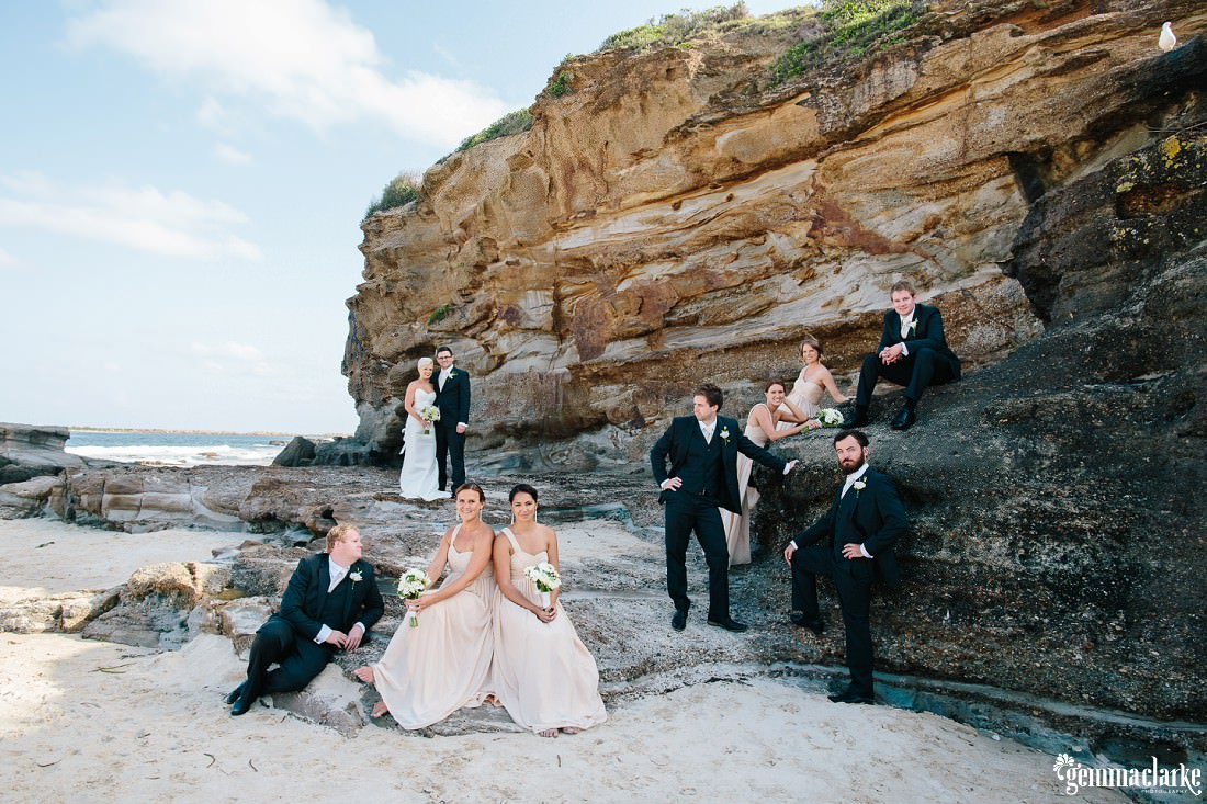 gemmaclarkephotography_newcastle-beach-wedding_caves-beach_amy-and-ryan_0037