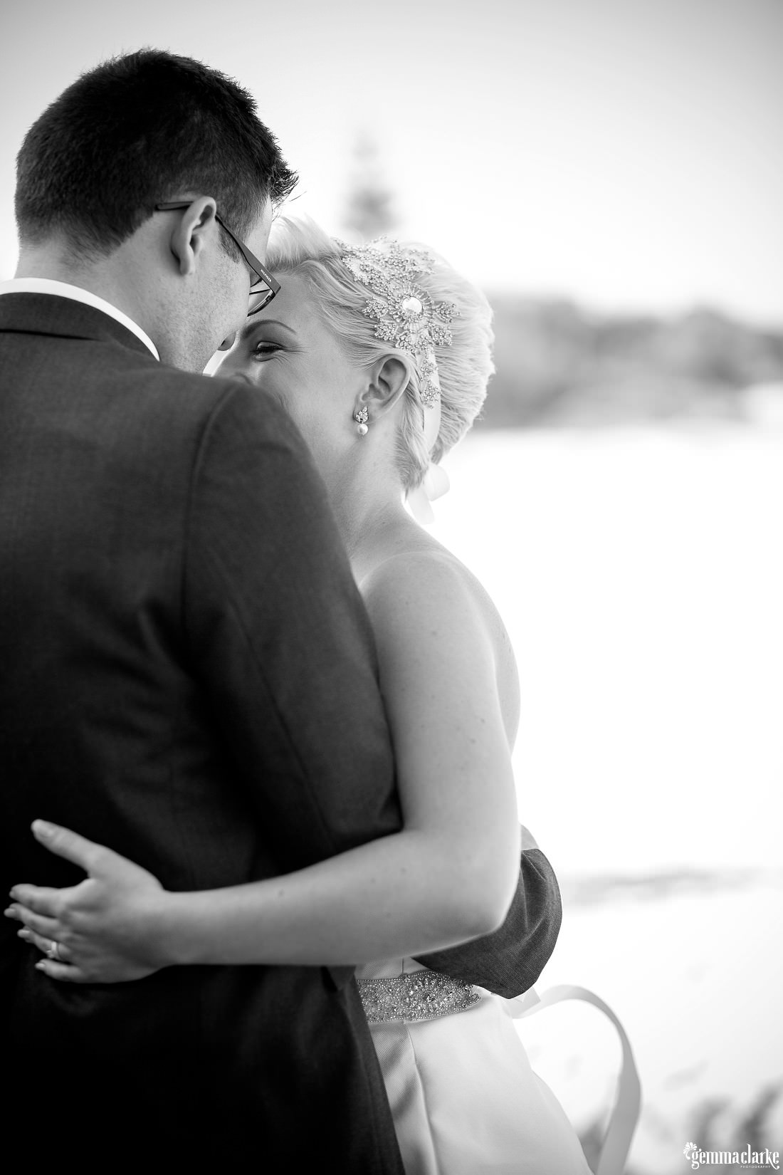 gemmaclarkephotography_newcastle-beach-wedding_caves-beach_amy-and-ryan_0039