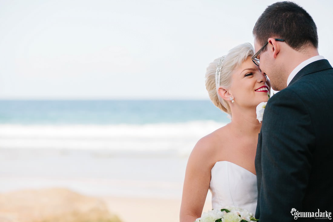 gemmaclarkephotography_newcastle-beach-wedding_caves-beach_amy-and-ryan_0040