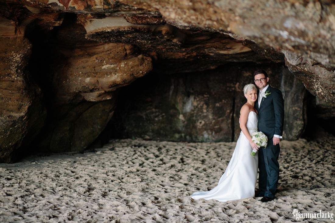 gemmaclarkephotography_newcastle-beach-wedding_caves-beach_amy-and-ryan_0046
