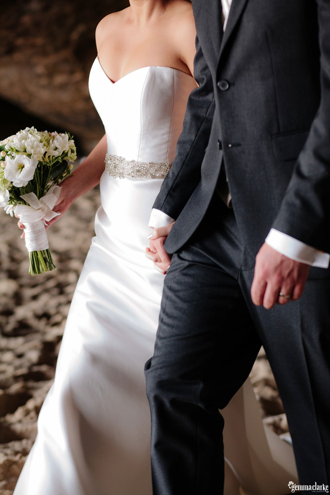 gemmaclarkephotography_newcastle-beach-wedding_caves-beach_amy-and-ryan_0047