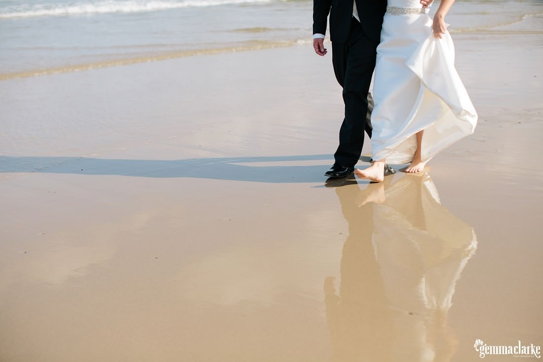 gemmaclarkephotography_newcastle-beach-wedding_caves-beach_amy-and-ryan_0054