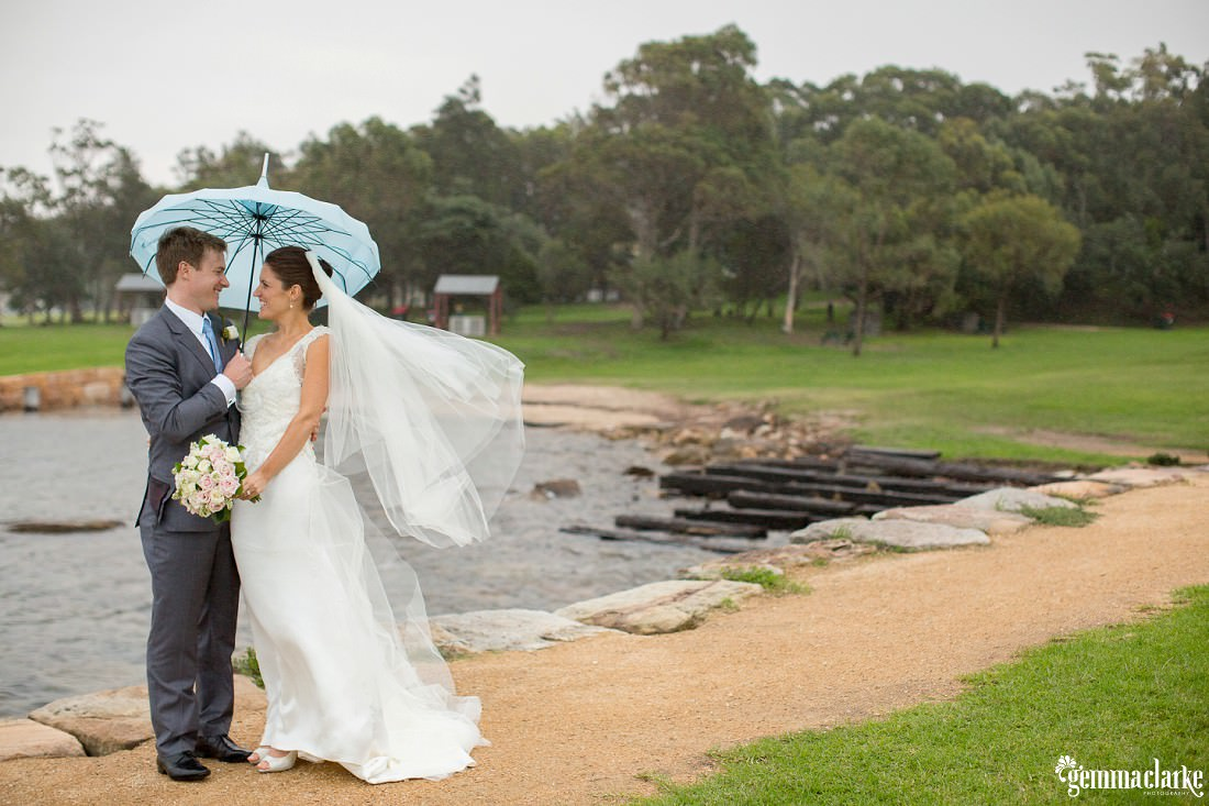 gemma-clarke-photography_rainy-day-wedding_deckhouse-wedding_emily-and-jeremy_0044