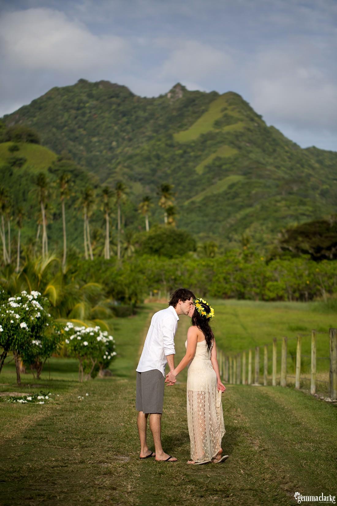 gemmaclarkephotography_island-destination-photos_natalie-and-alex_0018