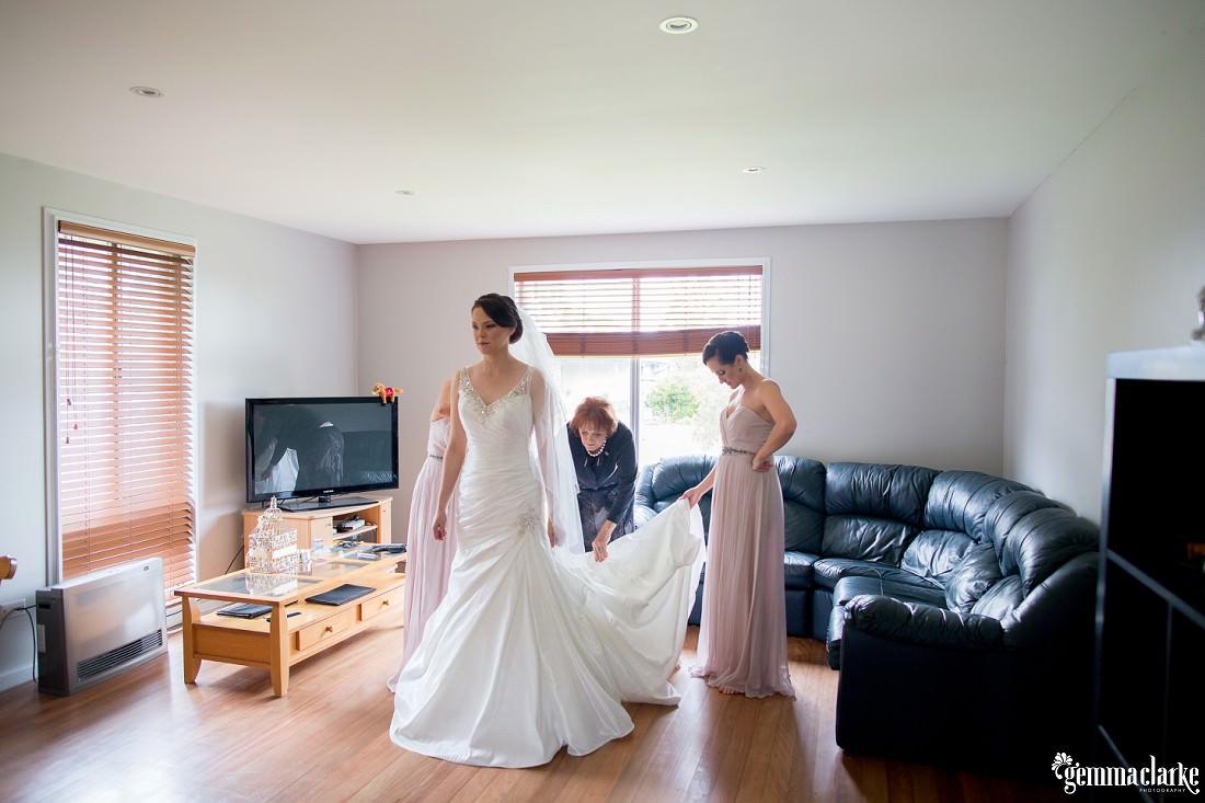 gemma-clarke-photography_deckhouse-woolwich-wedding_clarkes-point-reserve-wedding_natalie-and-chris_0007