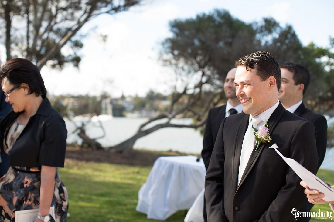 gemma-clarke-photography_deckhouse-woolwich-wedding_clarkes-point-reserve-wedding_natalie-and-chris_0015