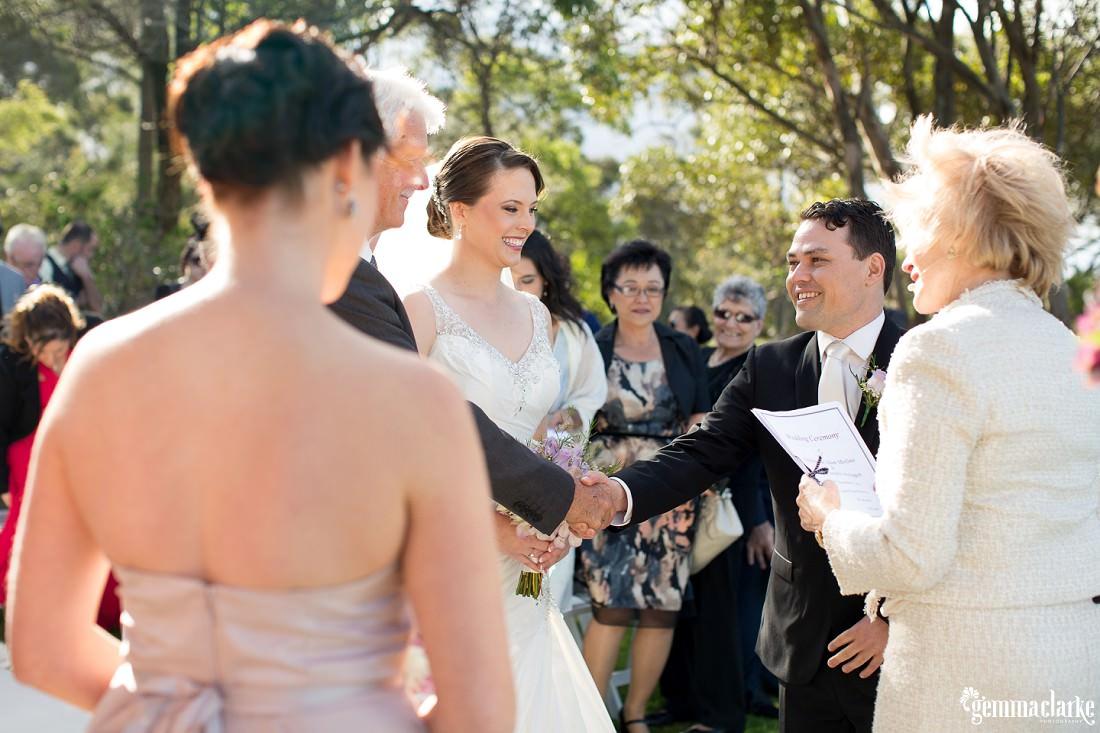gemma-clarke-photography_deckhouse-woolwich-wedding_clarkes-point-reserve-wedding_natalie-and-chris_0016