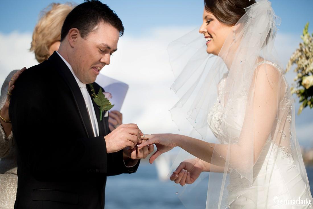 gemma-clarke-photography_deckhouse-woolwich-wedding_clarkes-point-reserve-wedding_natalie-and-chris_0020