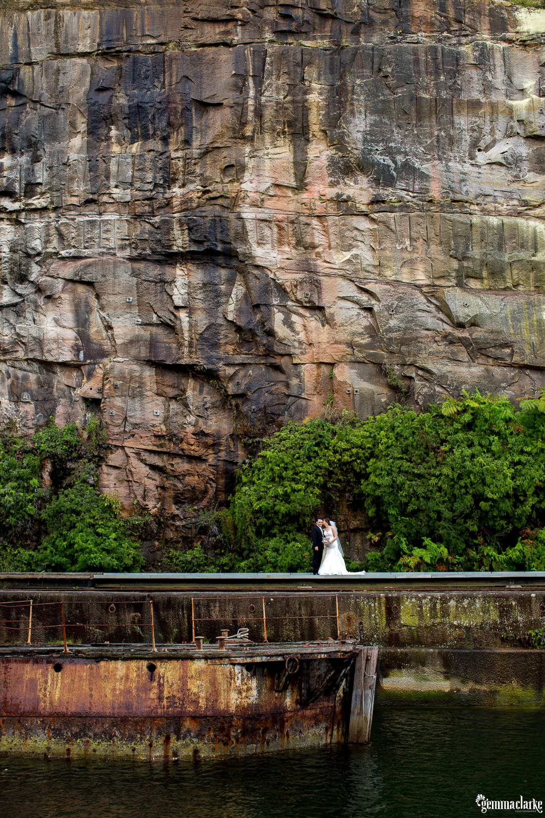 gemma-clarke-photography_deckhouse-woolwich-wedding_clarkes-point-reserve-wedding_natalie-and-chris_0036