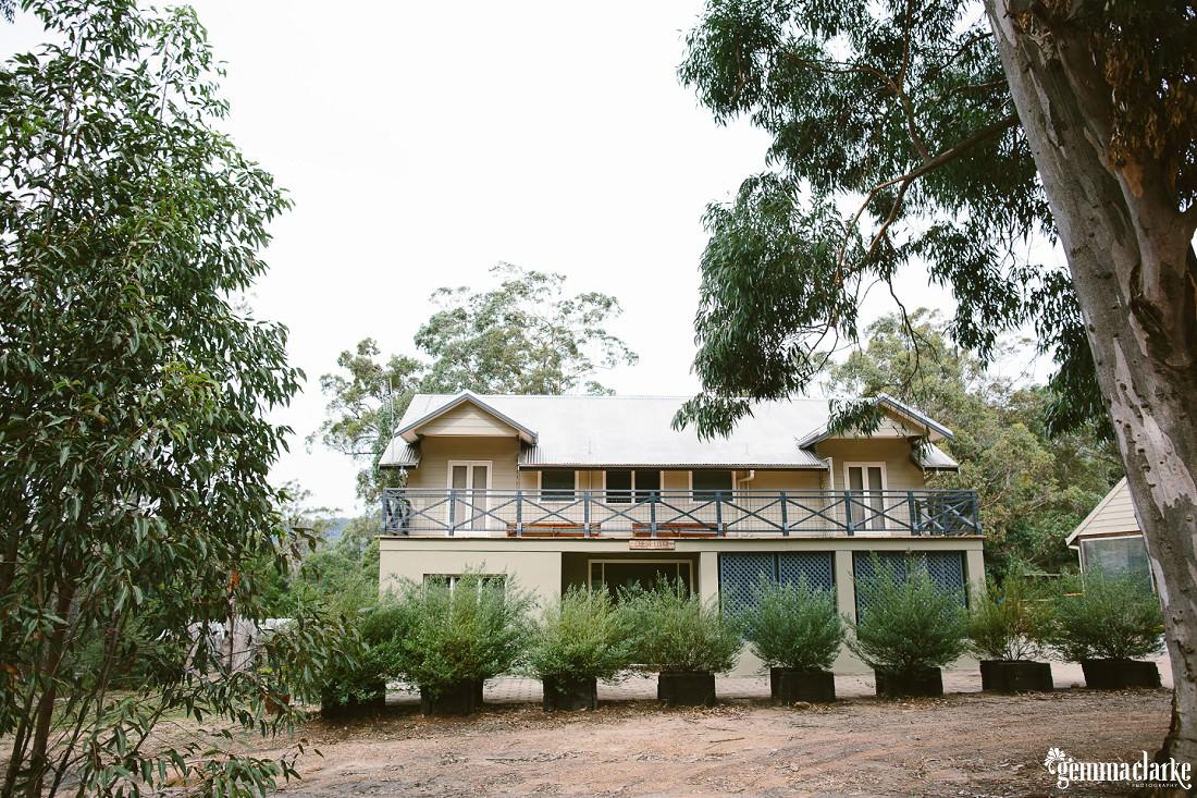 gemma-clarke-photography_kangaroo-valley-wedding_kangaroo-valley-bush-retreat_zoe-and-cam_0003