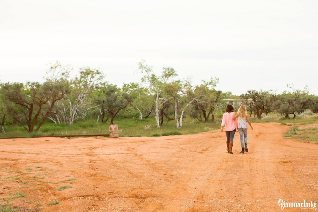 gemmaclarkephotography_bullara-station_family-farm-photos_0109