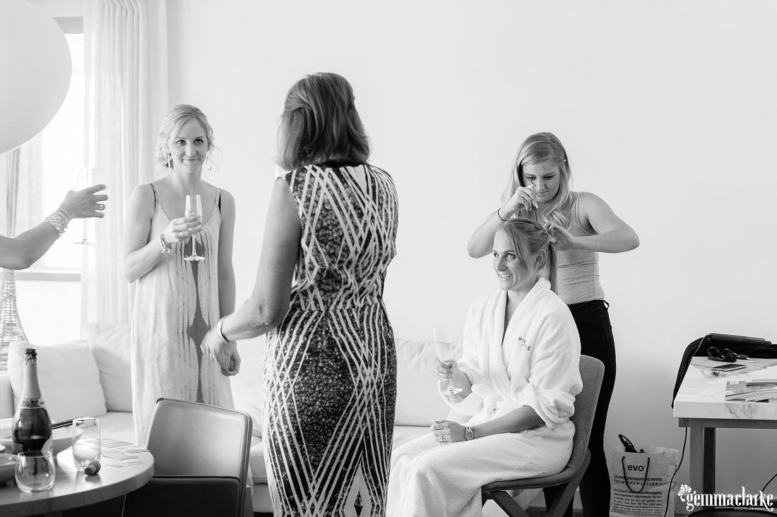 gemmaclarkephotography_cockatoo-island-wedding-photos_the-bar-at-the-end-of-the-wharf_0007