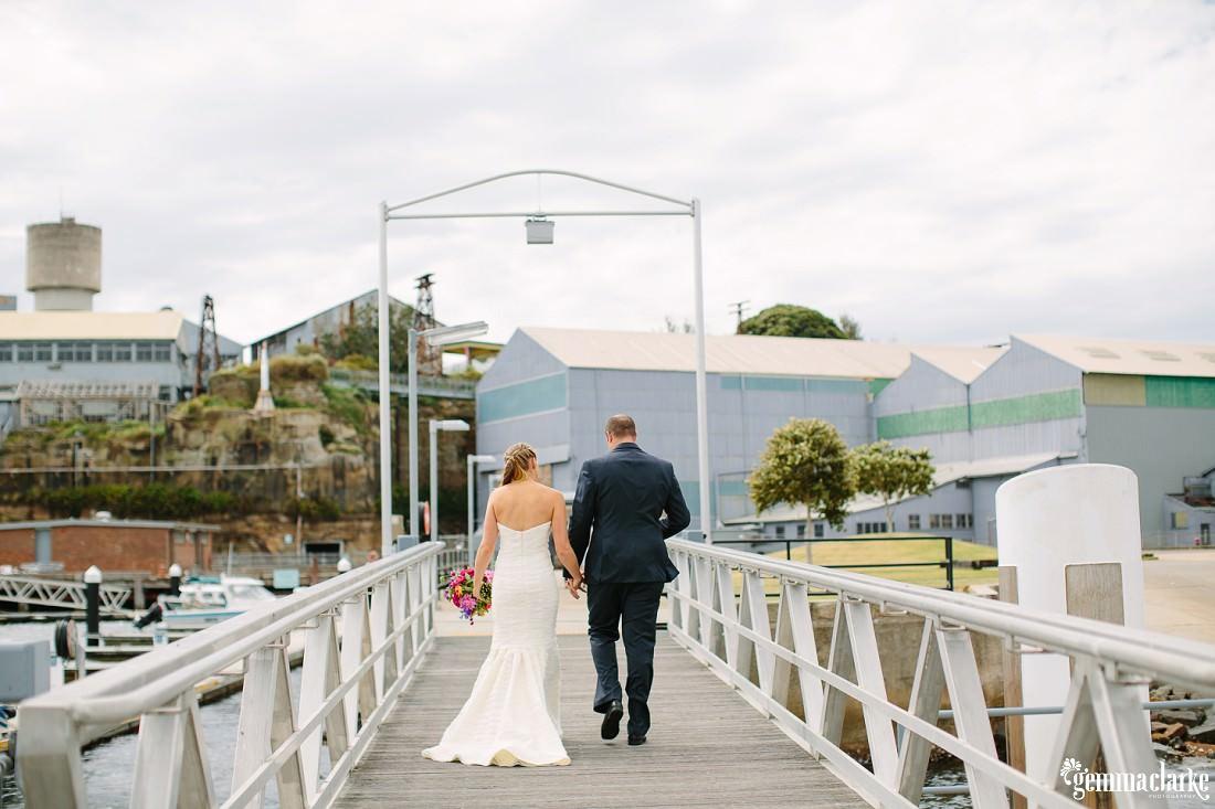 gemmaclarkephotography_cockatoo-island-wedding-photos_the-bar-at-the-end-of-the-wharf_0029