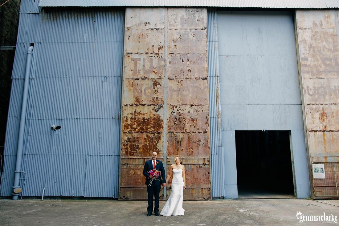 gemmaclarkephotography_cockatoo-island-wedding-photos_the-bar-at-the-end-of-the-wharf_0038