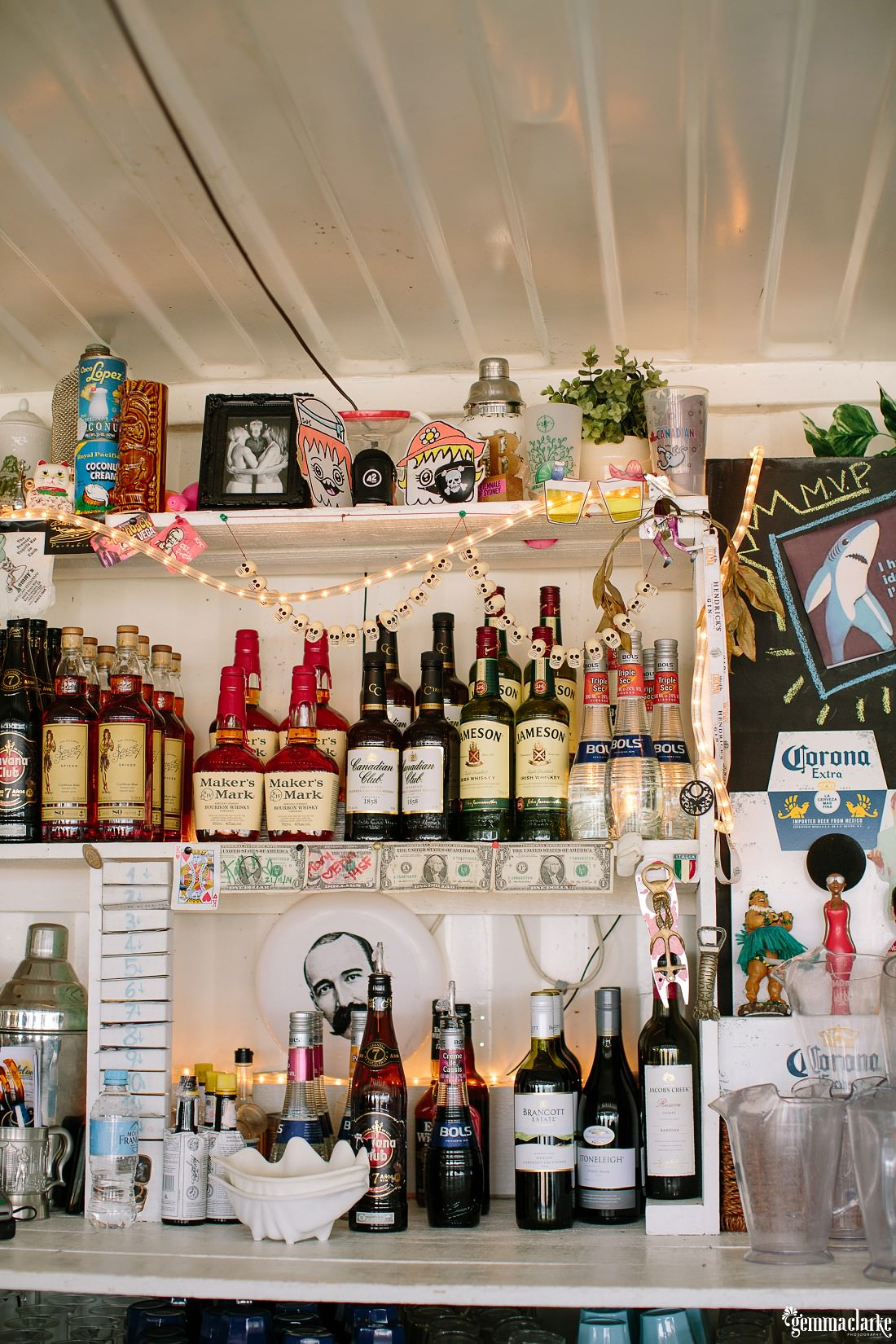 gemmaclarkephotography_cockatoo-island-wedding-photos_the-bar-at-the-end-of-the-wharf_0060