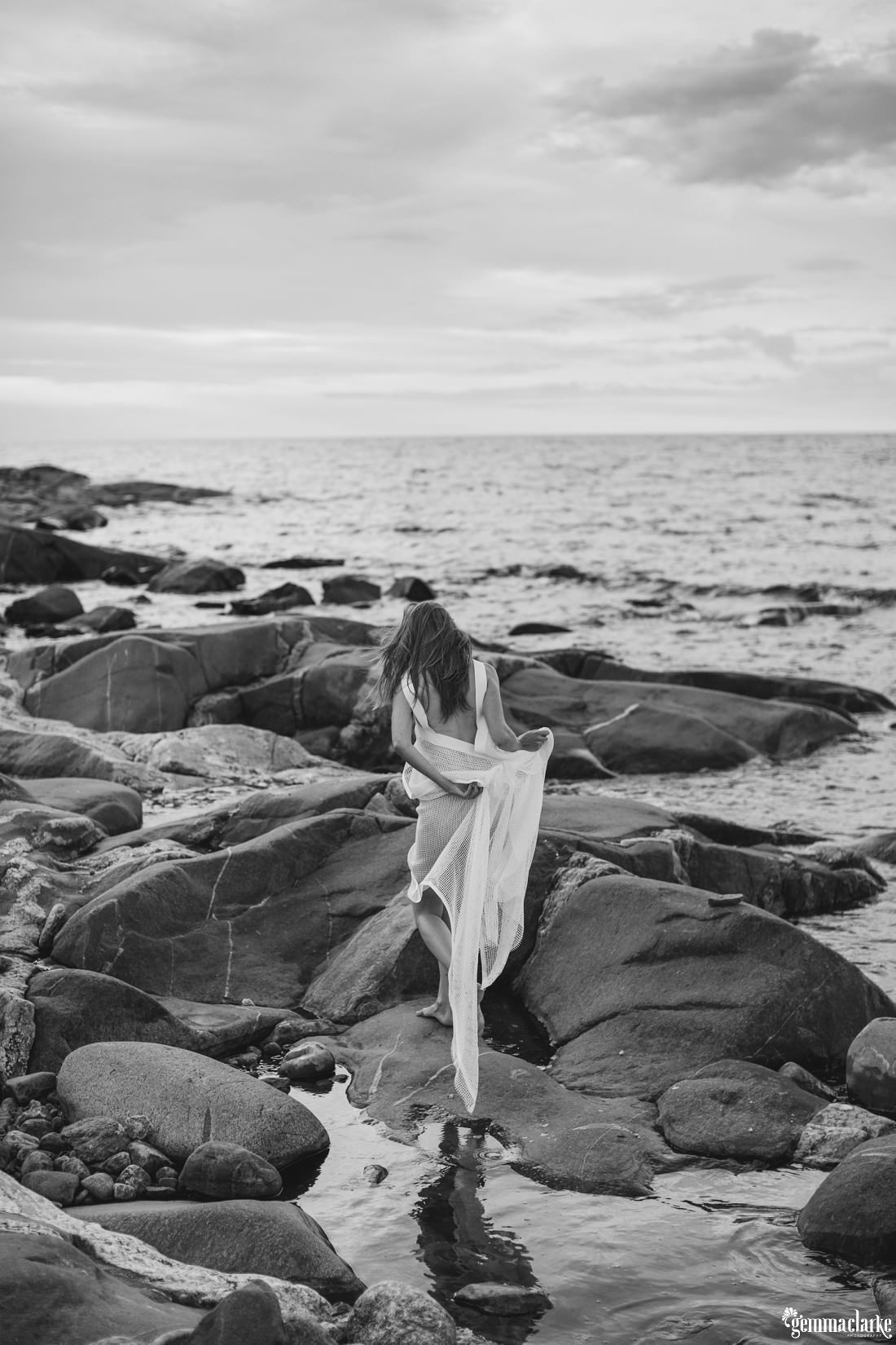 gemmaclarkephotography_finnish-summer-portraits_lighthouse-island_katja_0024a
