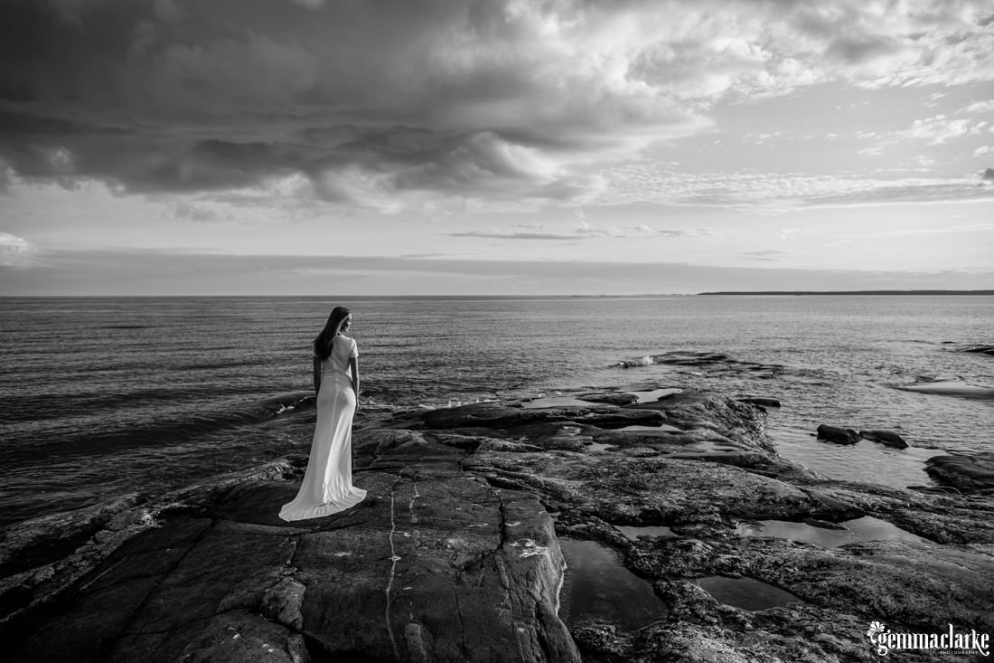 gemmaclarkephotography_finnish-summer-portraits_lighthouse-island_katja_0031