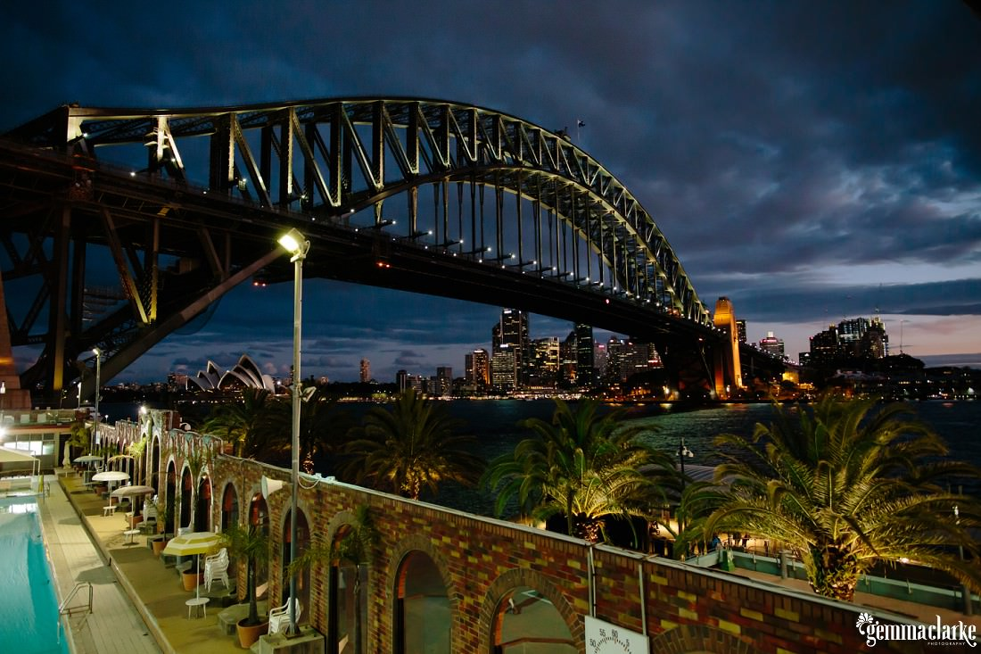 A shot of the Sydney Harbour Bridge at night