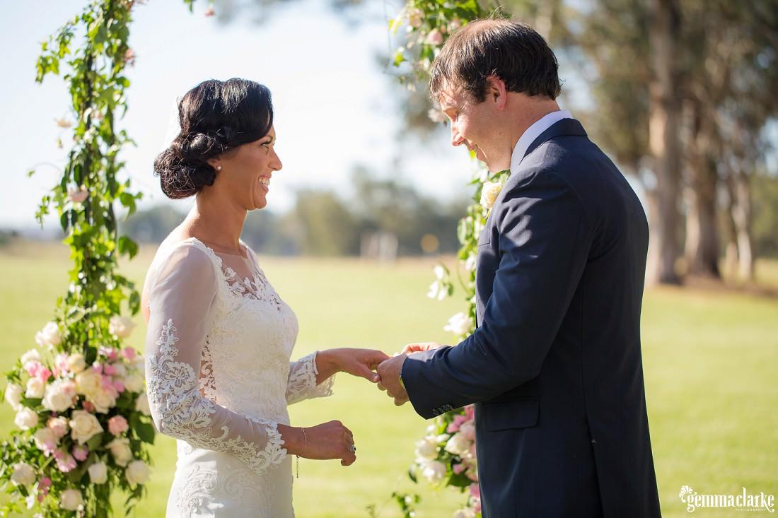 gemmaclarkephotography_vineyard-wedding_anna-and-scott_0033