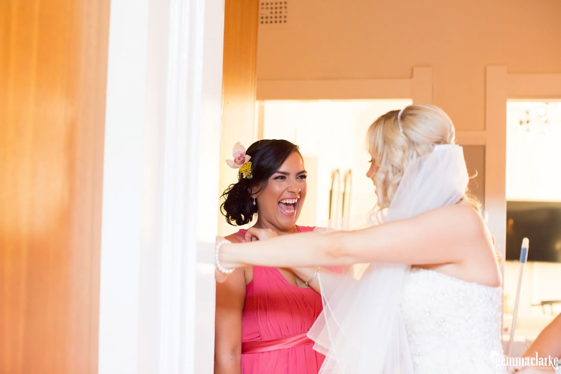 gemmaclarkephotography_maroubra-beach-wedding_fun-wedding_olivia-and-fredrik_0018