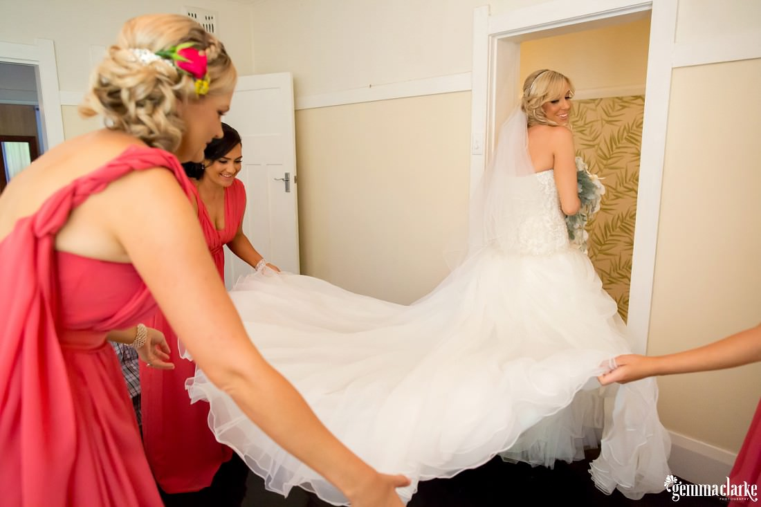 gemmaclarkephotography_maroubra-beach-wedding_fun-wedding_olivia-and-fredrik_0021