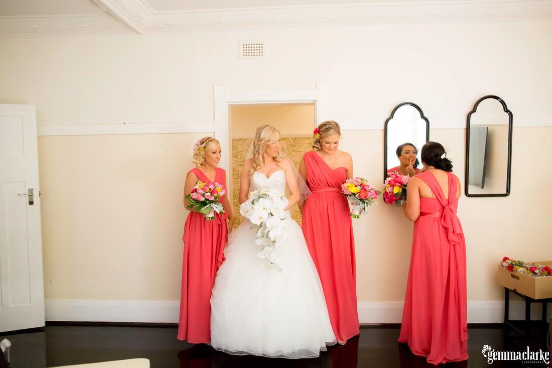 gemmaclarkephotography_maroubra-beach-wedding_fun-wedding_olivia-and-fredrik_0024