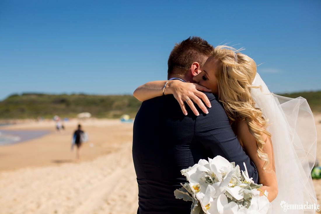 gemmaclarkephotography_maroubra-beach-wedding_fun-wedding_olivia-and-fredrik_0036