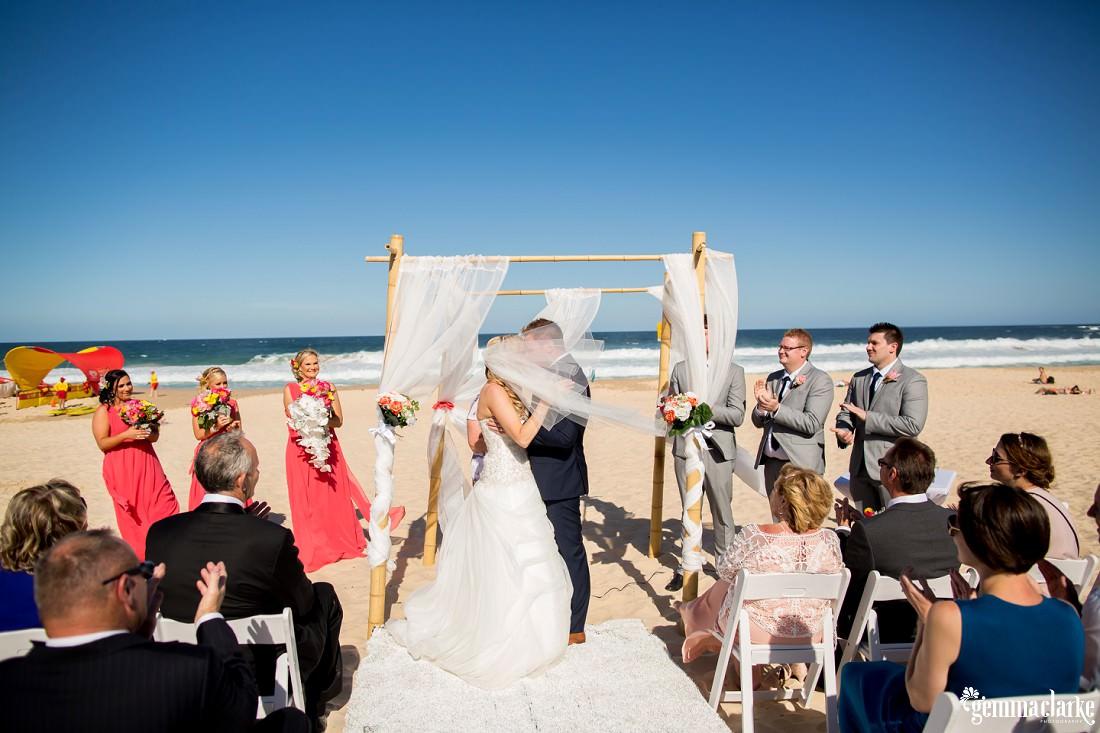 gemmaclarkephotography_maroubra-beach-wedding_fun-wedding_olivia-and-fredrik_0048