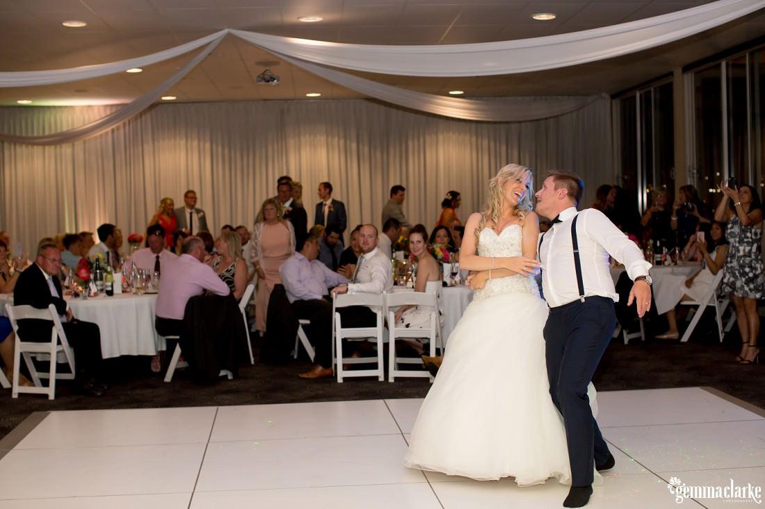 gemmaclarkephotography_maroubra-beach-wedding_fun-wedding_olivia-and-fredrik_0071
