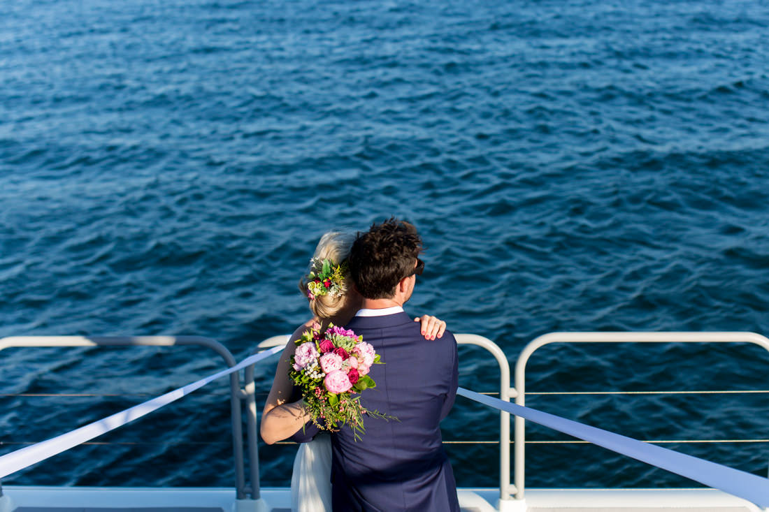 Jacinta and Tim's Amazing Shark Island Wedding – Sydney Harbour – Gemma Clarke Photography